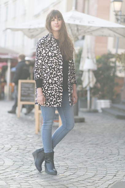 andy sparkles blogger coat jeans animal print