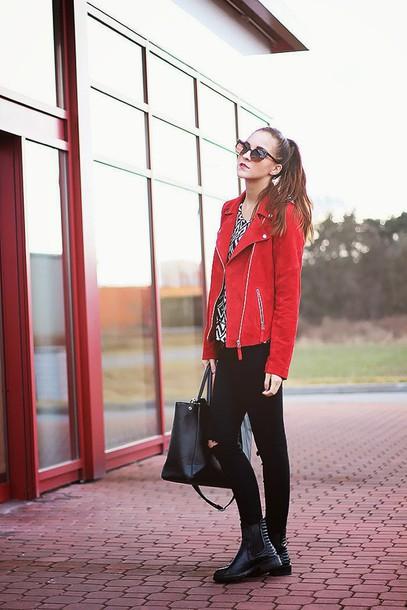 leona meliskova blogger perfecto red jacket black jeans