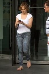 jeans,jennifer lopez,t-shirt,shoes
