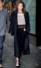 blouse,pants,fall outfits,pumps,coat,model off-duty,chrissy teigen,shoes