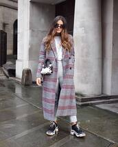 coat,long coat,black sneakers,crossbody bag,white t-shirt,grey pants,high waisted,sunglasses