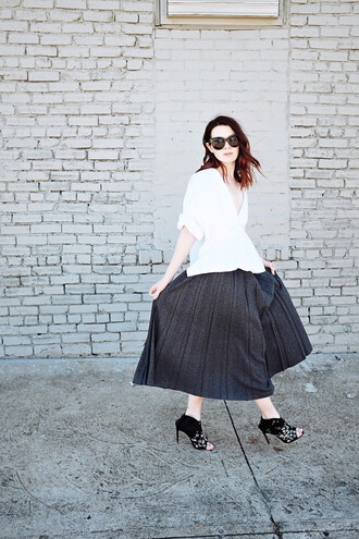 sea of shoes blogger skirt top sunglasses bag shoes