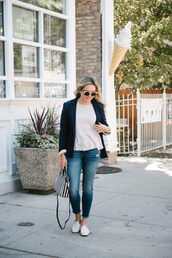 bows&sequins,blogger,sweater,jacket,t-shirt,jeans,shoes,bag,jewels,sunglasses