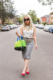 top,burger tee,white top,printed top,skirt,pencil skirt,grey skirt,midi skirt,pumps,high heel pumps,red pumps,red shoes,bag,transparent  bag,green bag,neon bag,neon,sunglasses,black sunglasses