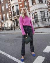sweater,jumper,wool sweater,checkered pants,pumps,wide-leg pants,handbag