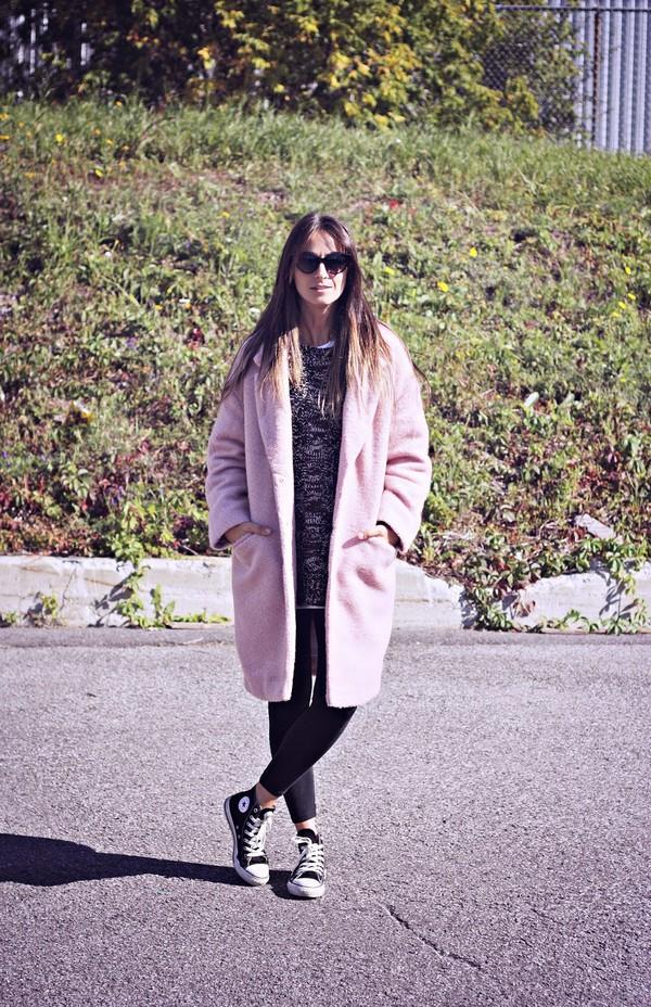 quality rivets blogger coat sweater leggings shoes