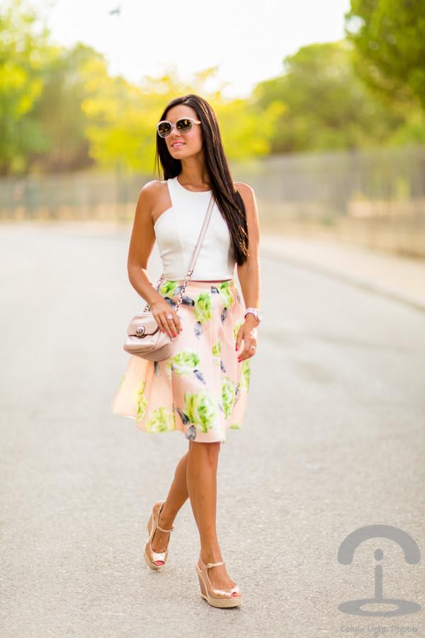 crimenes de la moda blogger skirt top sunglasses jewels shoes bag