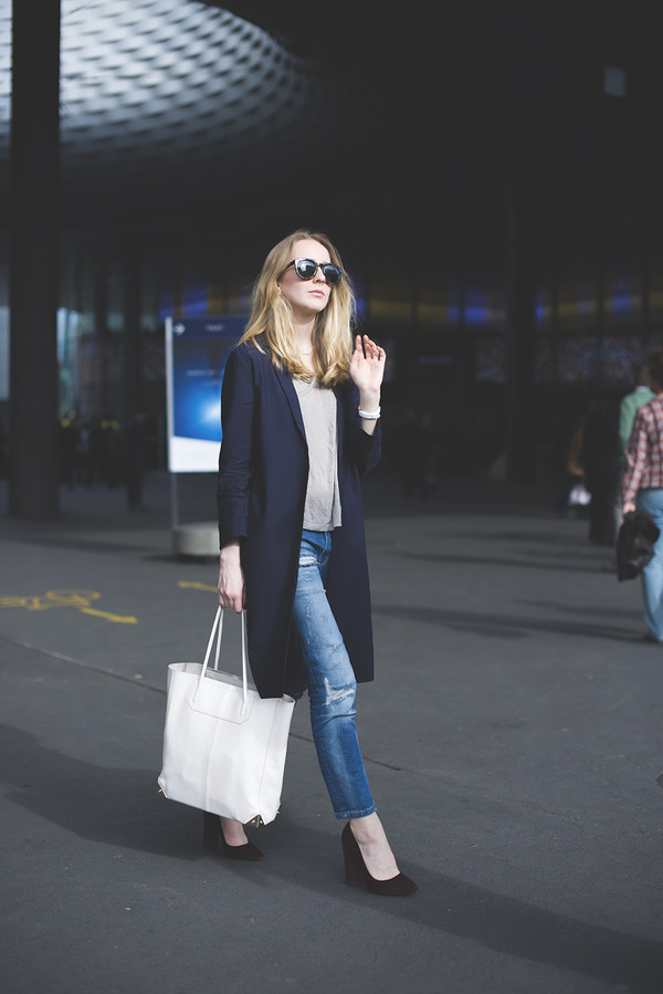 tiphaine's diary coat t-shirt jeans shoes bag jewels sunglasses