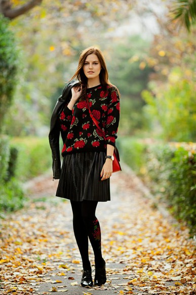 roses blogger the bow-tie jacket tights bag pleated skirt