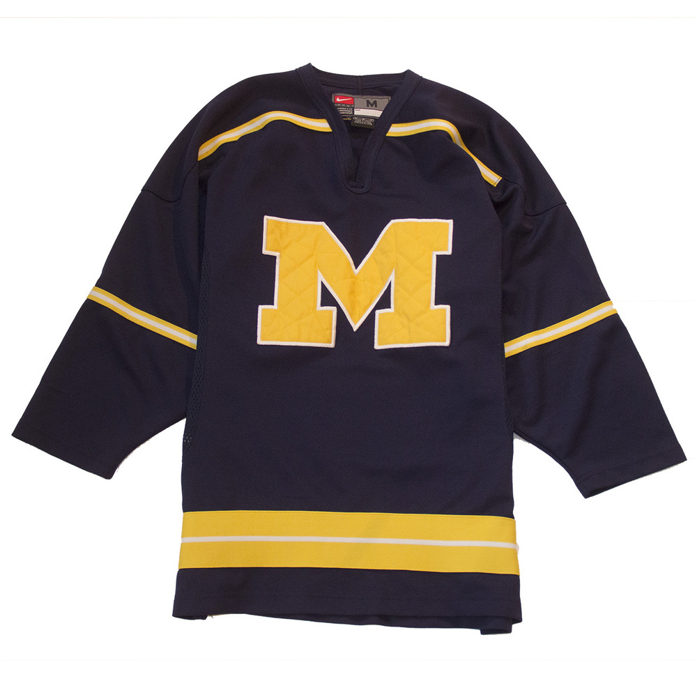 U of m hockey jersey