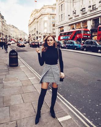 skirt tumblr mini skirt grey skirt asymmetrical asymmetrical skirt boots black boots over the knee boots over the knee top black top turtleneck black turtleneck top