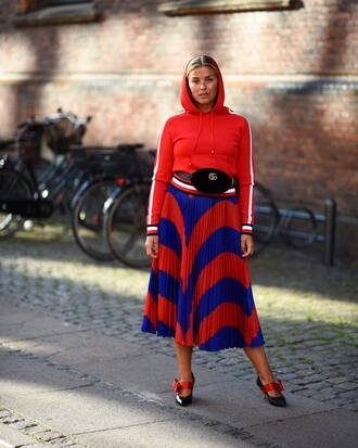 skirt gucci bag tommy hilfiger midi skirt shoes sweatshirt red top hoodie red hoodie fanny pack belt bag gucci