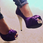 shoes,heels,purple,gold,peep toe,purple shoes,high heels,pumps,wedding,purple heels