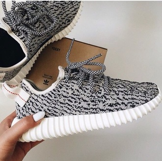 shoes grey and black sneakers grey and black yeezy yeezy yeezus adidas nike adidas shoes nike shoes grey white black red grey sneakers sneakers fashion nails white nail