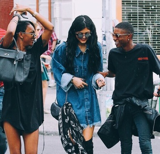 shirt kylie jenner keeping up with the kardashians blue dress blue shirt