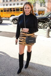 bag,celebrity,fall outfits,fall colors,animal print,chrissy teigen,boots,over the knee