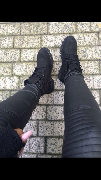 jeans black leather trousers biker jeans pants knee patch leather look leather pants black leather pants black boots timberlands boots booties shoes black shoes black shoes fashion combat boots leather