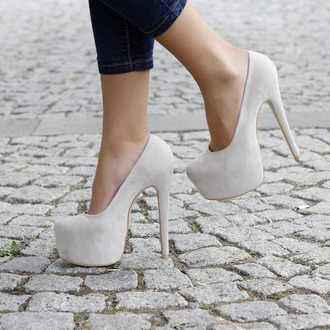 shoes heels high heels beige beige dress beige shoes fashion style jeans streetstyle pumps beautiful cream high heels