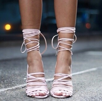 shoes fashionweek love shoes high heels strappy heels streetstyle streetfashion selfie