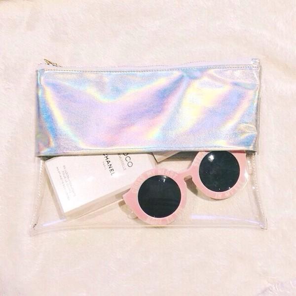bag clutch clutch clear clutch clutch cool glasses sunglasses round sunglasses round sunglasses round sunglasses plastic pastel pink transparent  bag pink sunglasses holographic summer accessories metallic clutch