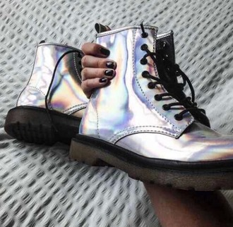 shoes hologramm drmartens silver shoes nails black nails cool shoes tumblr tumblr shoes