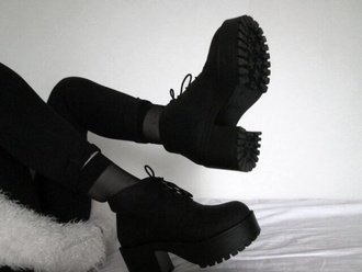 shoes black boots boots tumblr shoes