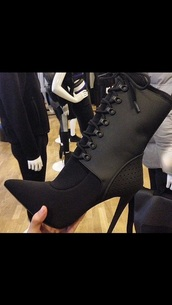 shoes,high heels,black heels,black dress,cute high heels,black high heels,fashion,style,little black boots