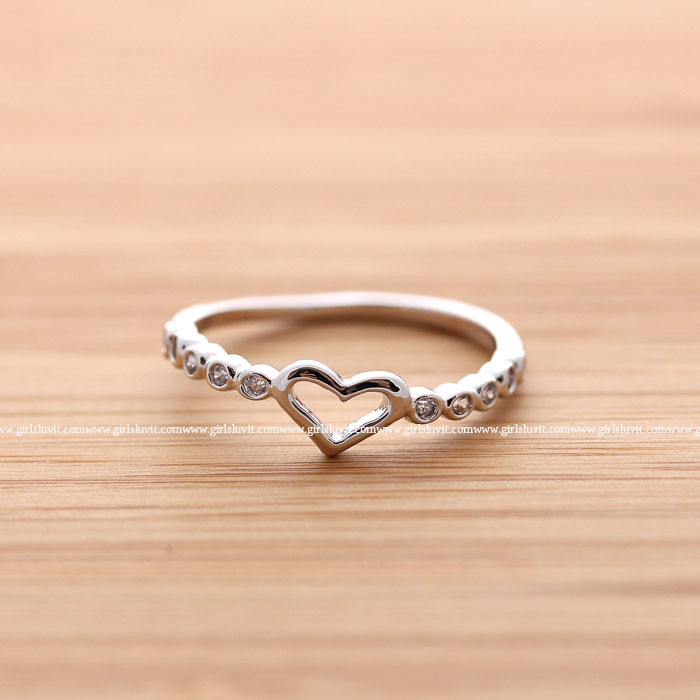 Heart ring with crystals decorated, 3 colors
