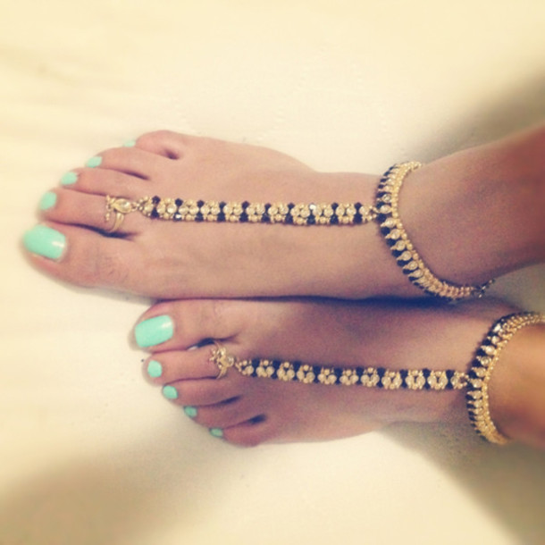 jewels fashion jewelry bijoux nail polish mint teal nails shoes gold flip- flops black turquoise