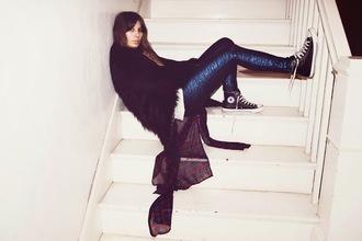 converse purse'n boots blogger skinny pants scarf metallic fluffy