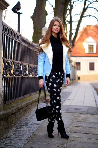 only my fashion style blogger printed pants shearling jacket light blue blue jacket jacket shoes bag