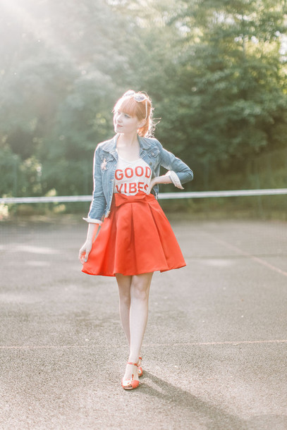 the clothes blogger sunglasses jacket tank top skirt shoes t-shirt