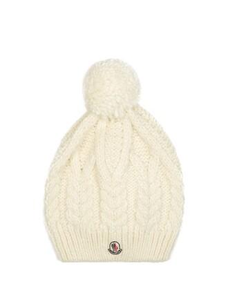 knit hat cream
