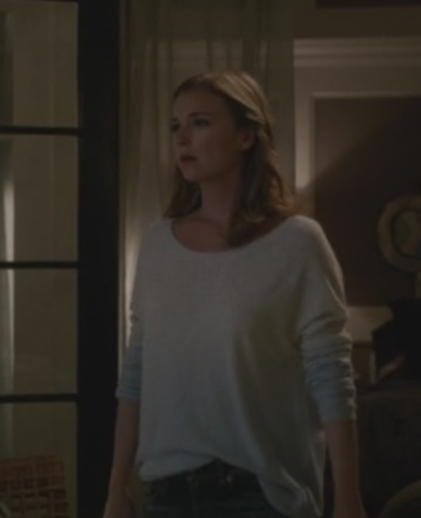 revenge sweater emily vancamp