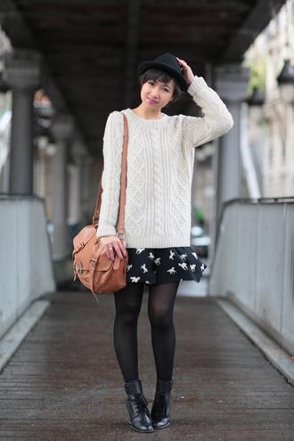 sweater white sweater le monde de tokyobanhbao