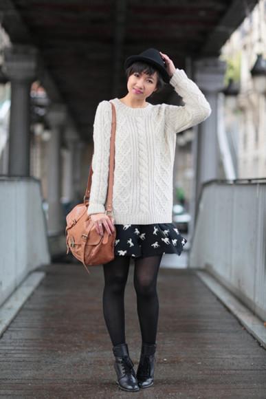 white sweater le monde de tokyobanhbao