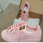 shoes,adidas,pink,adidas shoes,adidas superstars,light pink,baby pink,sneakers,pastel sneakers,bitch,leather,pink sneakers,low top sneakers,superstar,pastel pink,pastel,pink colour,adidas supercolor