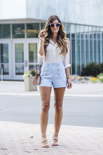 chicstreetstyle blogger blouse shorts jewels sandals blue shorts summer outfits