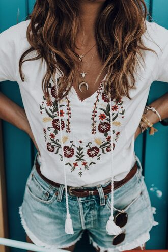 top tumblr embroidered embroidered top necklace crescent pendant denim denim shorts shorts belt sunglasses jewels jewelry layered horn horn necklace accessories accessory white top v neck gold necklace