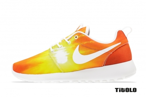 Nike Wmns Rosherun 511882-016 511882 016 Black/White-White Titolo