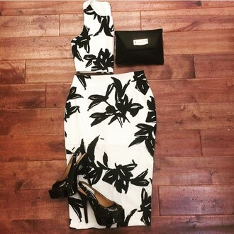 skirt angl flowers floral floral dress clutch black and white art style ootd layered layout outfit city outfits cute outfits black white two colour two-piece