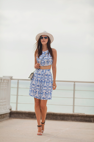 the bow-tie blogger two piece dress set blue and white