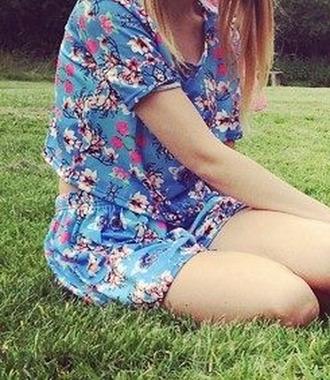 t-shirt blossom top cherry blossom shorts