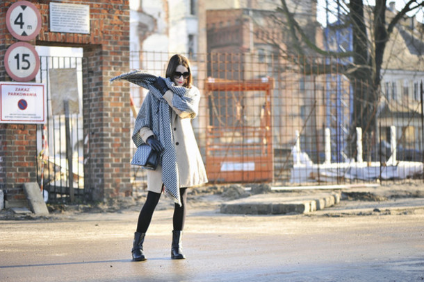shiny sil blogger coat scarf tights shoes jewels sunglasses gloves dress bag