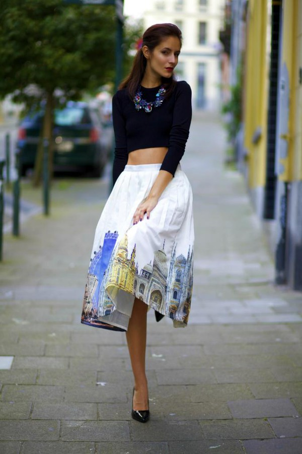 from brussels with love blogger skirt blouse shoes jewels bag