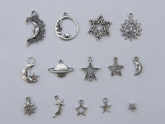 jewels vintage necklace sun moon planet star sun necklace moon necklace silver necklace vintage jewels retro retro jewels indie stars moon charms moon and sun