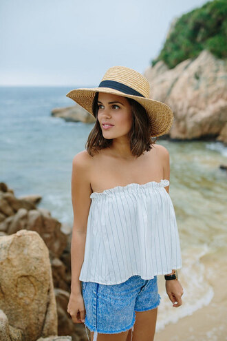 a pair and a spare blogger sleeveless straw hat striped top denim shorts light blue summer outfits beach bustier