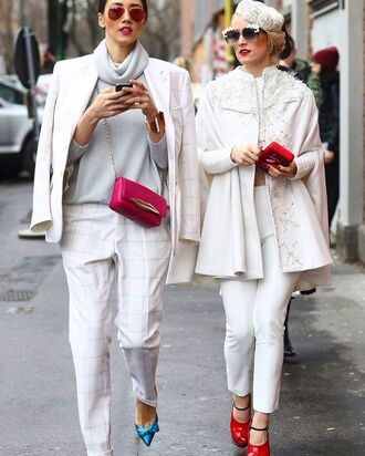 jacket tumblr blazer white blazer pants white pants pumps pointed toe pumps high heel pumps bow shoes bow heels sweater grey sweater turtleneck turtleneck sweater bag pink bag chain bag streetstyle girl squad red shoes sunglasses