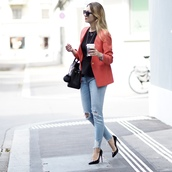 the vogue word,blogger,jacket,pants,bag,shoes,jewels,blazer,red jacket,handbag,ripped jeans,high heel pumps,pumps,fall outfits
