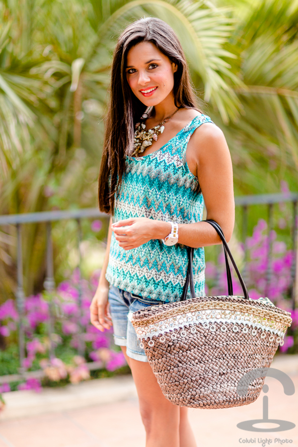 DIY Embellished Beach Bag | Crímenes de la Moda en stylelovely.com
